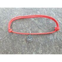 Piros szerencse karkötő - Bak horoszkópos medállal -