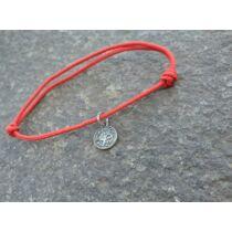 Piros szerencse karkötő - Nyilas horoszkópos medállal -