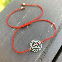 Torok csakra - piros fonal karkötő