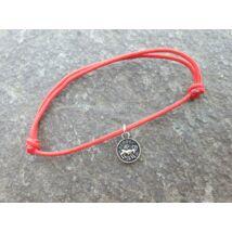 Piros szerencse karkötő - Kos horoszkópos fityegővel