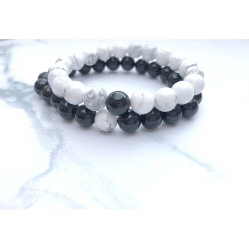 Fehér howlit és fényes fekete onix páros ásványkarkötő