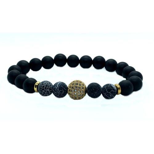 Matt fekete onix ásványkarkötő,effloresce agate ásványgyöngyökkel, cirkónia kövekkel kirakott arany színű gömbbel