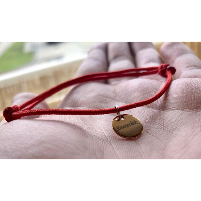 Piros szerencse karkötő - Rose gold színű szeretlek kör fityegővel