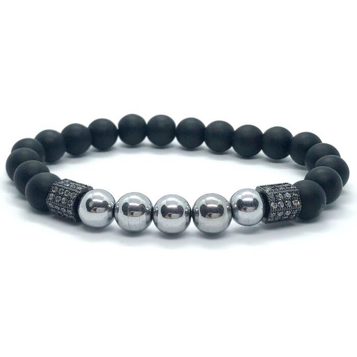 Matt onix ásványkarkötő, ezüst hematit gyöngyökkel, cirkónia köves fekete színű hatszöggel