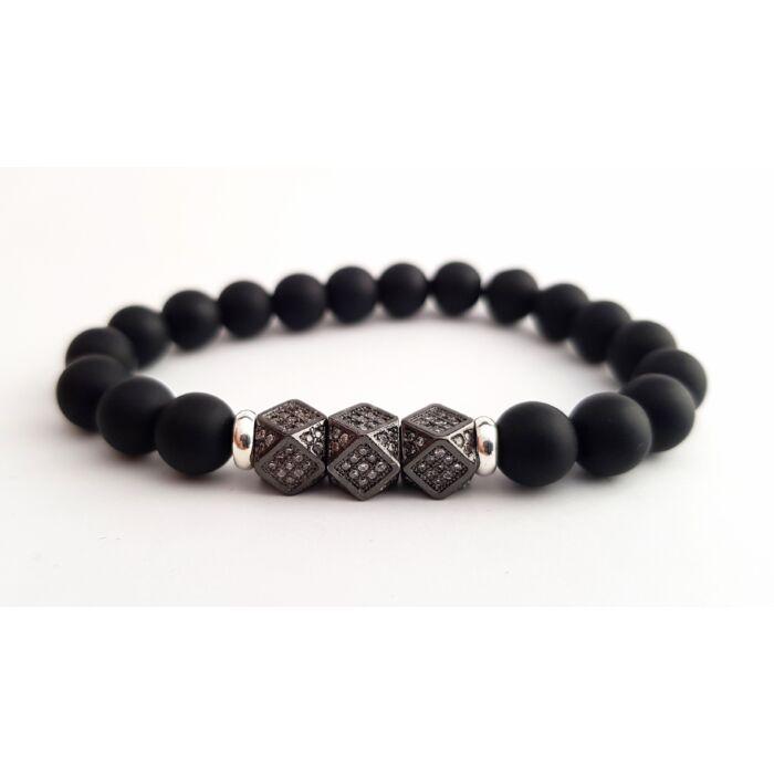 Matt onix ásványkarkötő, cirkónia köves fekete színű hexagonnal