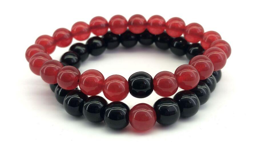 a8d8d4cfaf Fényes piros jáde és matt fekete onix páros ásványkarkötő Katt rá a  felnagyításhoz